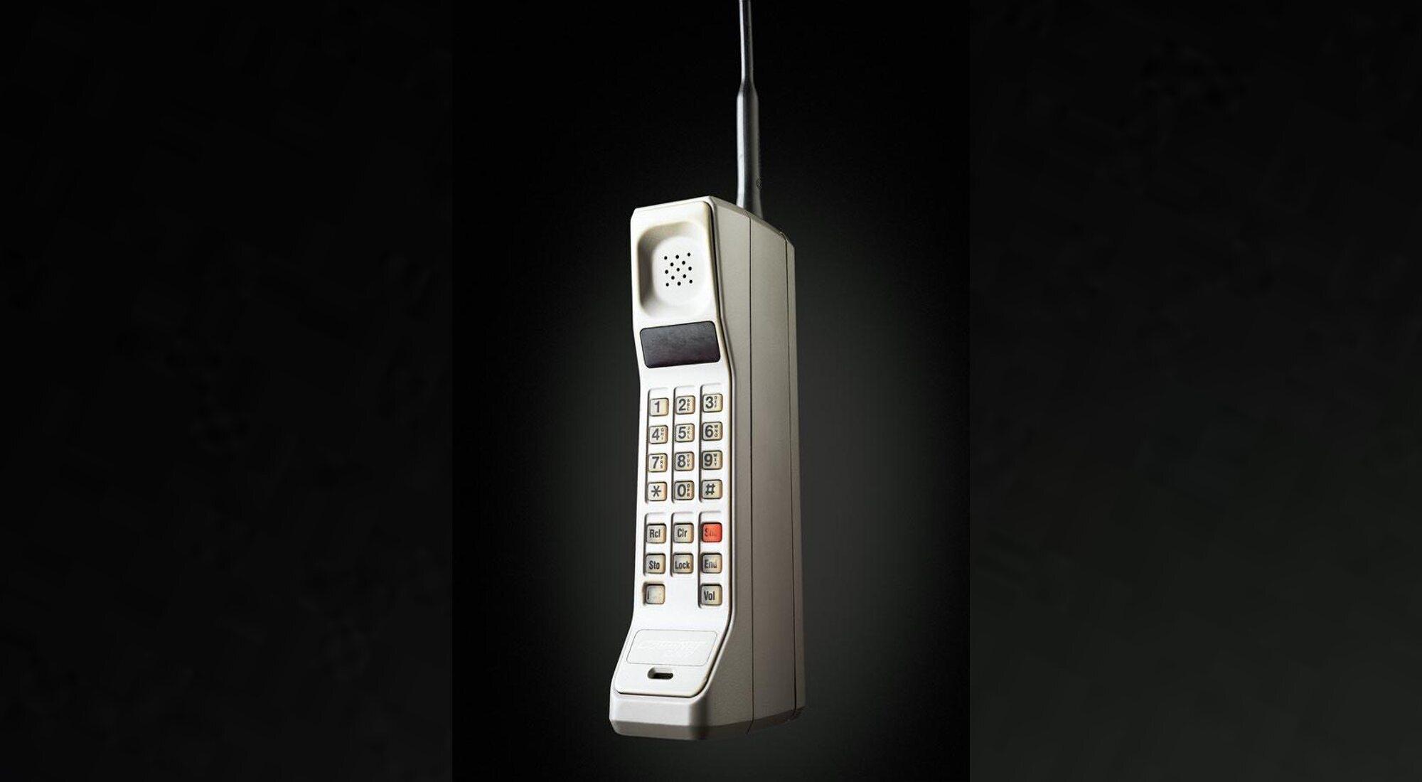 Motorola DynaTAC 8000x: el primer teléfono móvil de la historia cumple 36 años