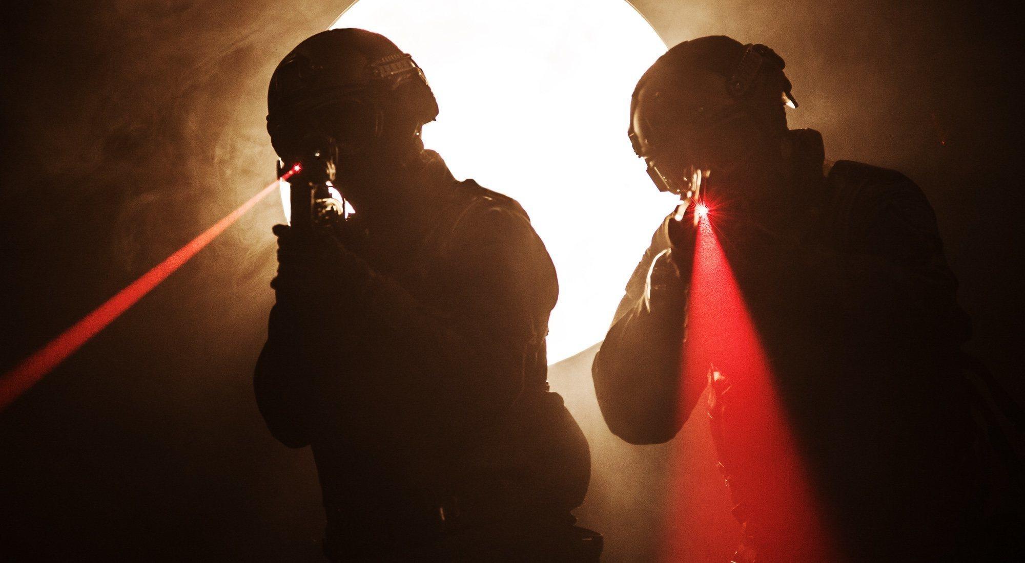 Una luz que envía mensajes a tu cerebro, así es la nueva arma del ejército de Estados Unidos