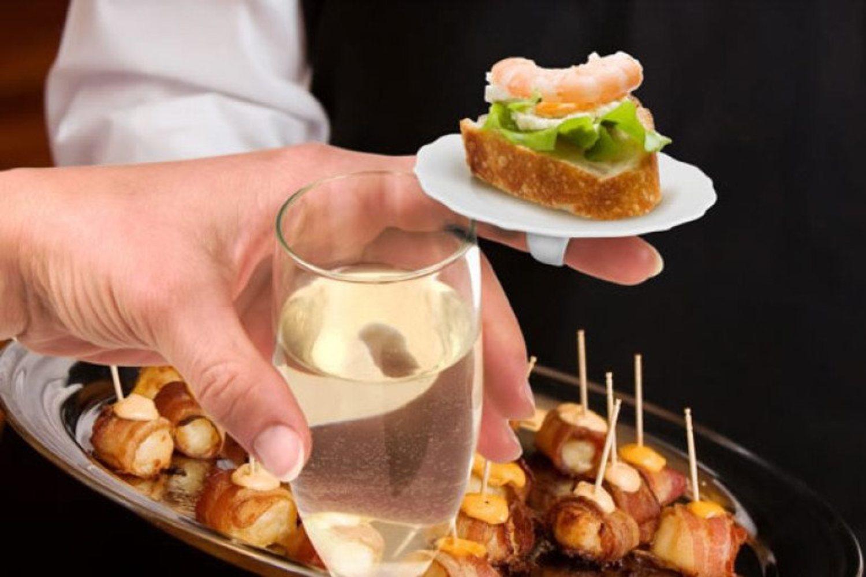 Entre lo pijo y lo ridículo, estos mini platos que te sientan como anillo al dedo.