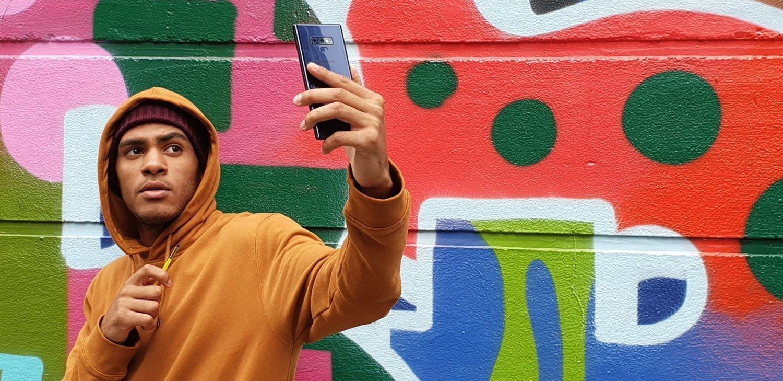 Con el nuevo S Pen del Note 9 puedes sacar fotos a distancia sin tocar el teléfono.
