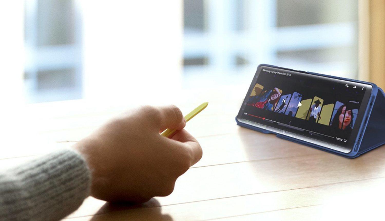 El nuevo S Pen te permite controlar en remoto los reproductores de vídeo.