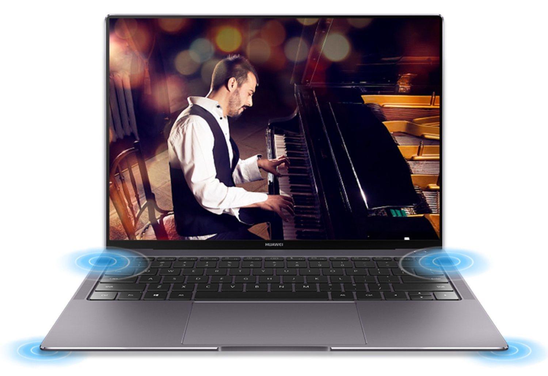El MateBook X Pro cuenta con cuatro altavoces Dolby Atmos y cuatro micrófonos.