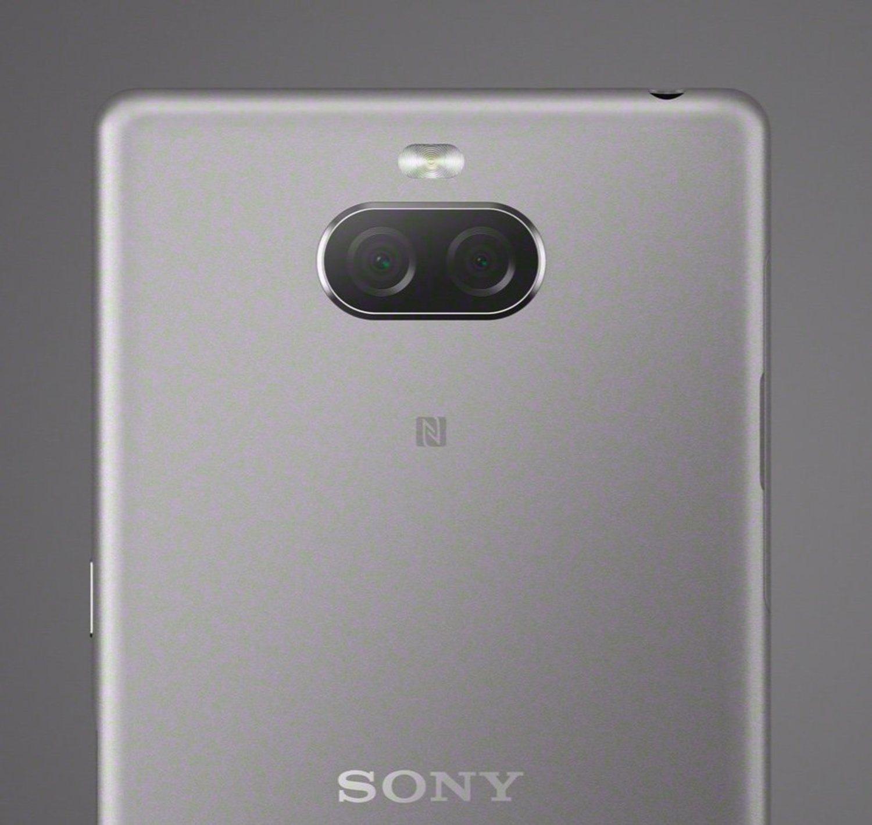 El Sony Xperia 10 tiene dos cámaras traseras: una lente principal de 13 MP con apertura f/3, acompañada de otra con 5 MP.