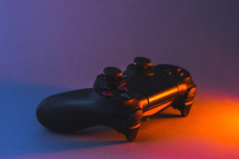 Sabemos que la nueva PS5 seguirá teniendo discos físicos, pero todavía no hay noticias sobre el mando.