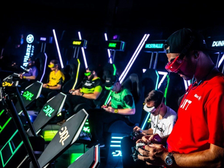 Principales pilotos de la Drone Racing League