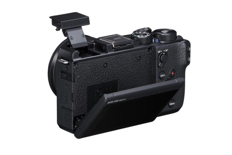 Canon EOS M6 Mark es ligera y su pantalla es muy cómoda