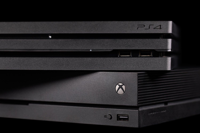 Al igual que en la foto, PS4 está por encima de XBOX One en ventas.