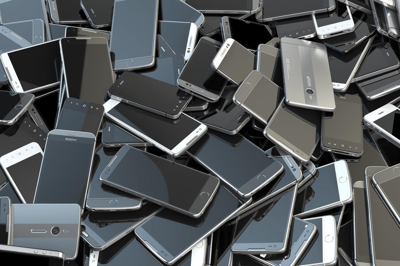 Para producir un móvil de 80 gramos de peso se consumen 44,4 kilogramos de recursos naturales.