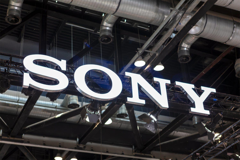 La japonesa Sony, que llevaría sus nuevos móviles, tampoco asistirá.